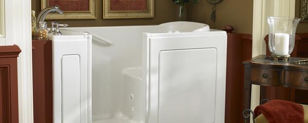 Choosing between Acrylic Tubs vs. Fiberglass Tubs